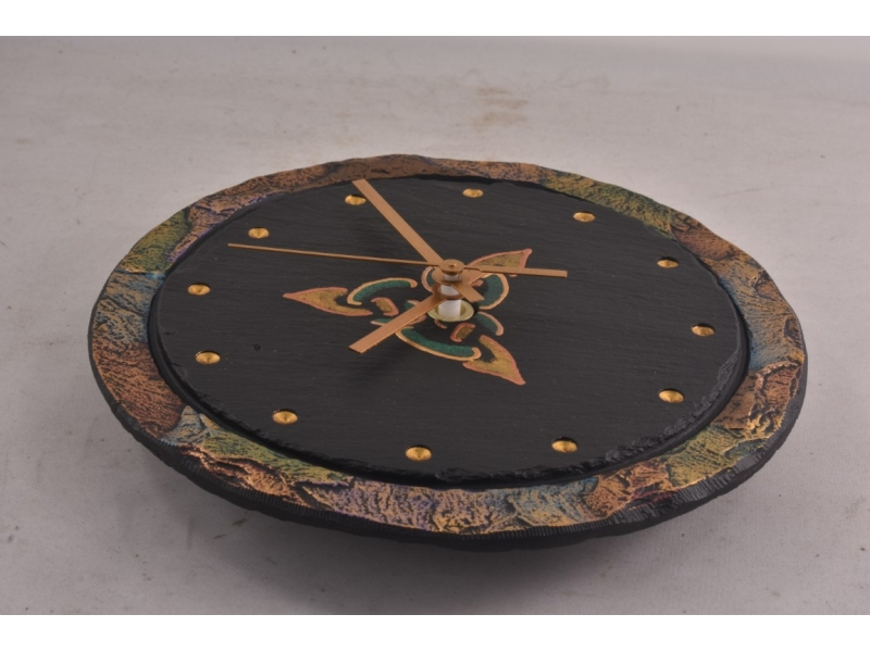 celtic-triad-on-a-heartworks-slate-clock