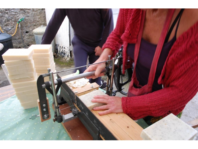 cutting-natural-handmade-soap-1