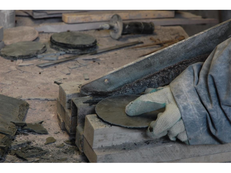 hand-cutting-slate-2