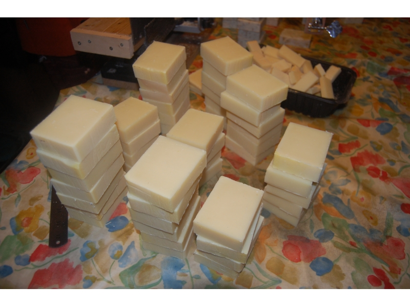 natural-handmade-soap-at-the-cutting-stage-1