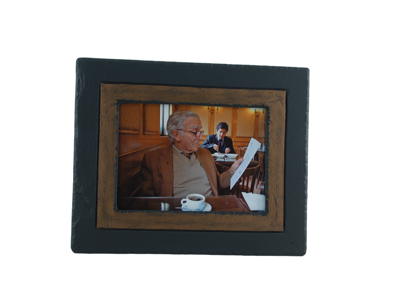 picture-frame-brown-border