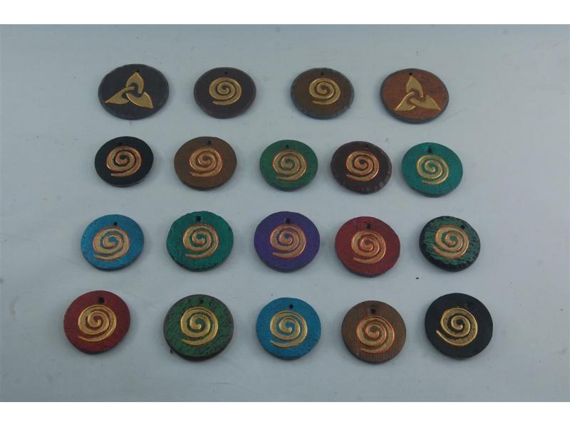 slate-pendants-by-heartworks